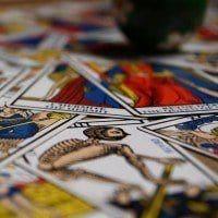 Votre tirage gratuit des cartes du Tarot de Marseille en ligne